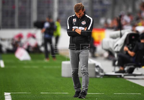 Tres jugadores del Red Bull de Salzburgo, rival del Atlético de Madrid en Liga de Campeones, han dado positivo por coron…