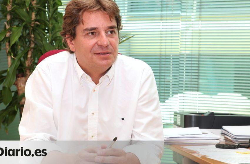 El alcalde de Fuenlabrada, uno de los municipios con restricciones, asegura en esta entrevista que «no defiende al Gobie…