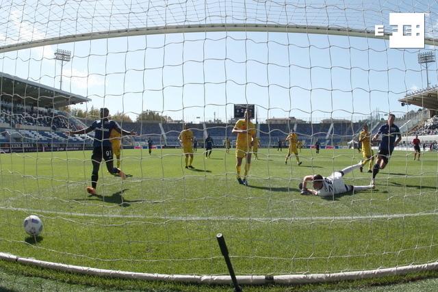 5-2. Gómez, Muriel y Duván arrollan al Cagliari y dan el liderato al Atalanta.  #SerieA   …