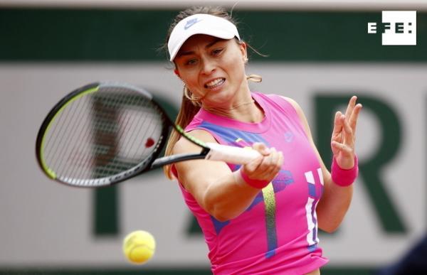 La española Paula Badosa no supera los octavos de final de Roland Garros, tras ser derrotada por la veterana alemana Lau…