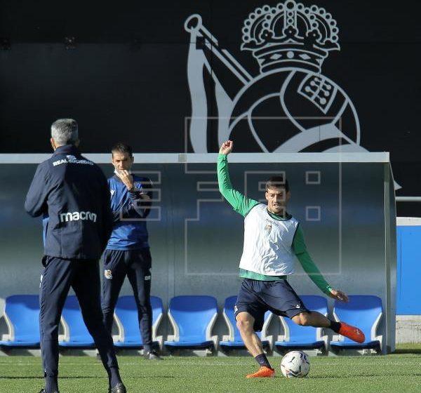 El centrocampista de la Real Sociedad David Silva se perderá al menos los dos próximos partidos que su equipo juega esta…