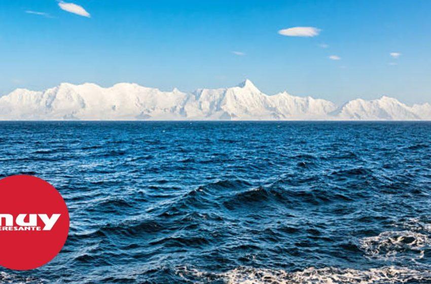 Así son las grietas en los glaciares de la Antártida