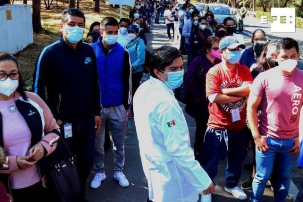 Al menos 3.900 trabajadores sanitarios mexicanos, de hospitales civiles y militares, fueron vacunados este domingo contr…