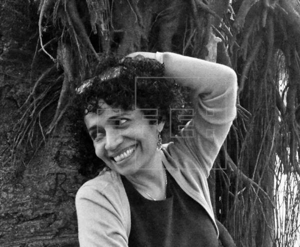 CRÓNICA   Paz y Fuentes, «dos maneras de ver el mundo» que truncaron una amistad.   Por @eduribbas …