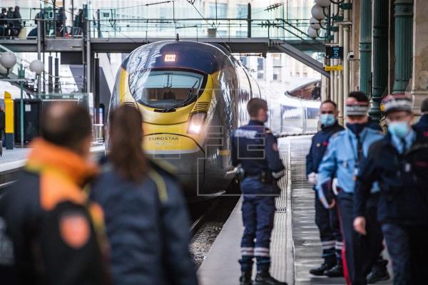 Los trenes de pasajeros Eurostar que conectan varios destinos en Francia, Bélgica y Holanda con Londres sufrirán un retr…