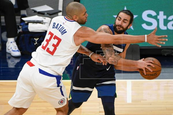 El alero Kawhi Leonard tuvo 36 puntos como mejor encestador de los Clippers de Los Ángeles, que vencieron a domicilio 11…