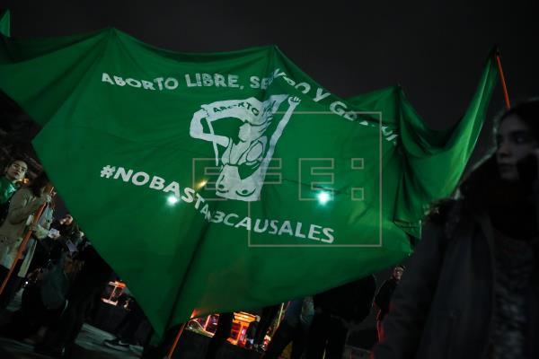 Chile se prepara para el #8M con el aborto libre más cerca que nunca.  Por Patricia Nieto Mariño (@patrizolam) …