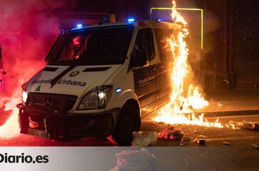 Los Bomberos concluyen que hubo un «riesgo bajo» para el agente del furgón quemado en los disturbios por Hasel  Lo cuent…