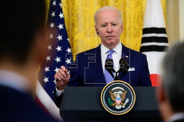 Biden anunció que es posible que EE.UU. produzca 1.000 millones de dosis adicionales de la vacuna contra la covid-19 ent…