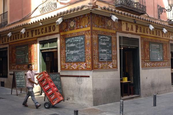 La Comunidad de Madrid ha ampliado a partir de este lunes el cierre de la hostelería y otros locales como cines y teatro…
