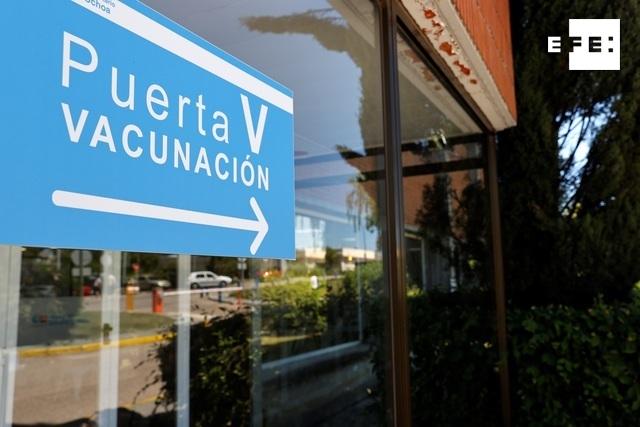 Varias comunidades españolas activan ya la vacunación de los menores de 50.  #coronavirus    …