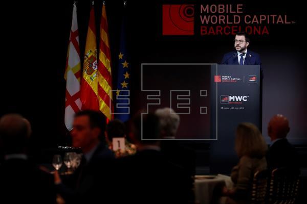 Aragonès pide que la digitalización sirva para cohesionar la sociedad.   #MWC2021    …