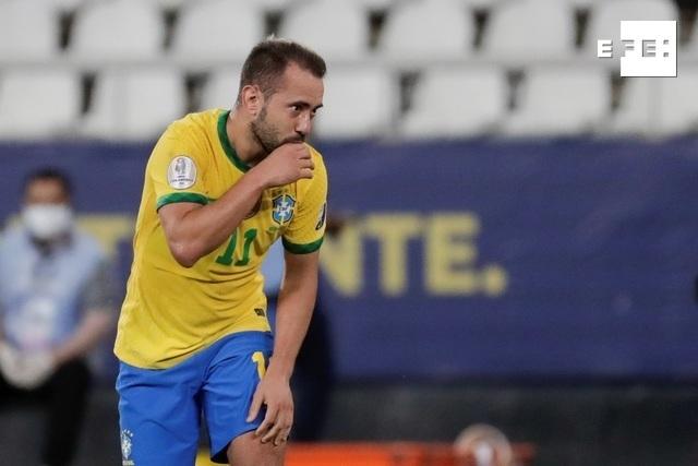 CRÓNICA   4-0. Brasil golea a Perú al ritmo de Neymar y encauza su pase a cuartos. #CopaAmérica   André Coelho/Antonio L…