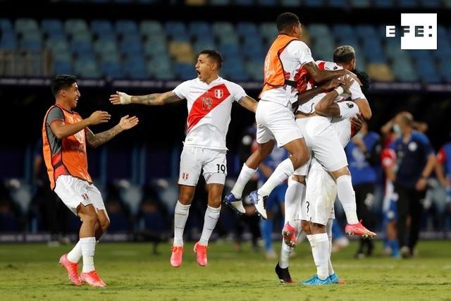 La selección de Perú se clasificó a las semifinales de la Copa América al vencer en una tanda de penaltis por 4-3 a la d…
