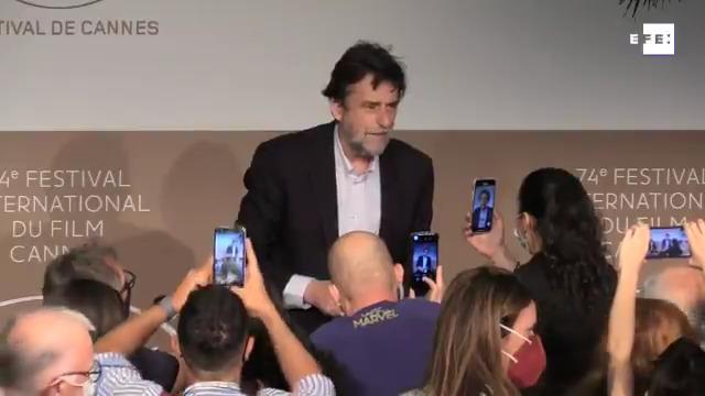 #EFETV   Nanni Moretti presenta en Cannes «Tre piani» («Tres pisos»).  Toda la información sobre #Cannes2021 en Efeservi…
