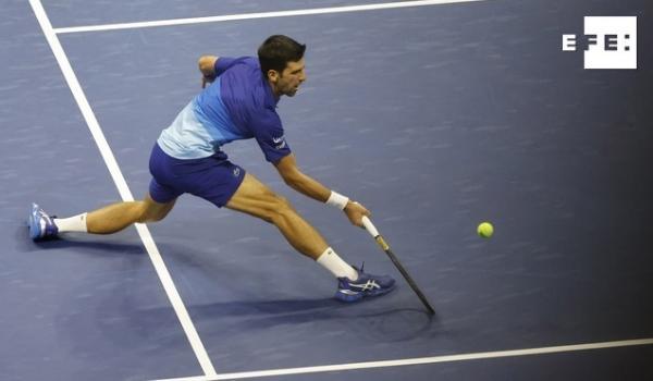 El serbio Novak Djokovic, primer cabeza de serie, venció este lunes por 1-6, 6-3, 6-2 y 6-2 al local Jenson Brooksby y p…