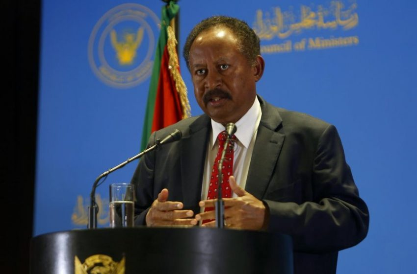 Intento de golpe en Sudán: un grupo de militares detiene al primer ministro y corta las comunicaciones …